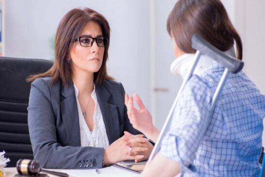 What To Look For When Comparing Injury Lawyers